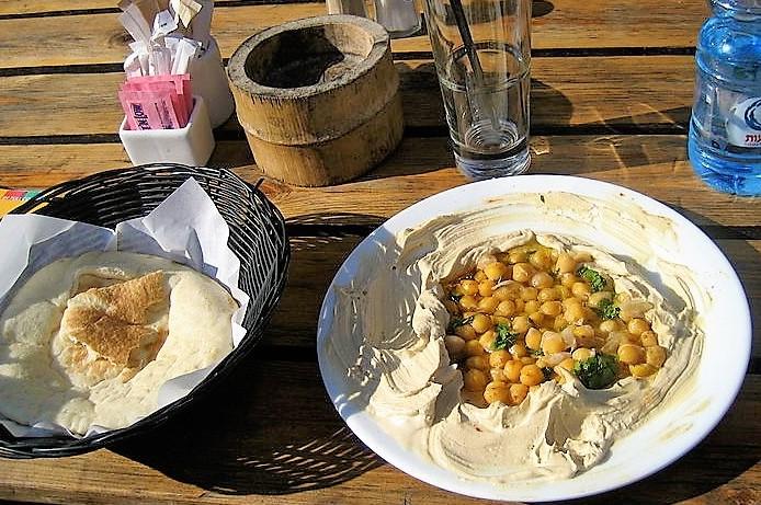 Pita cu Humus in Jaffa, Tel Aviv